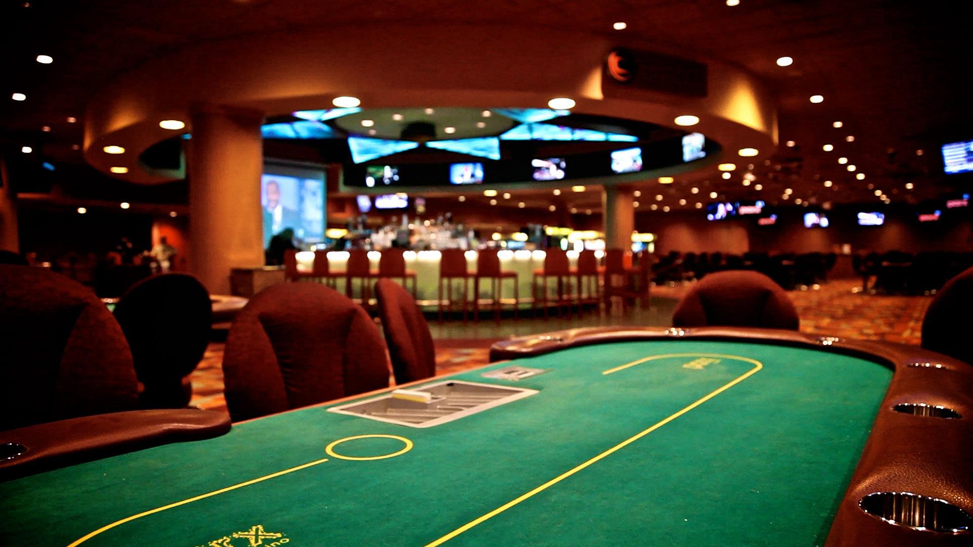 Стол для покера в казино